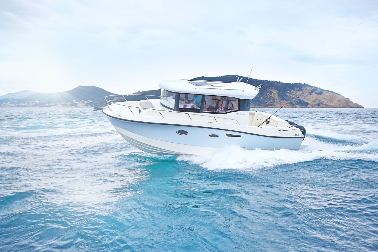 Quicksilver Quicksilver Captur 905 Pilothouse