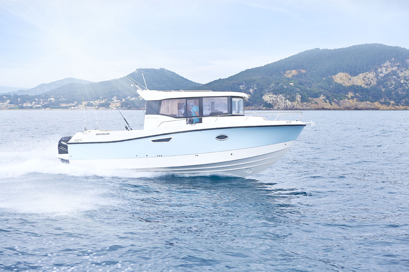 Quicksilver Captur 905 Pilothouse